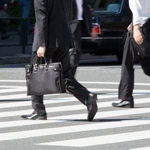 靴の中で靴下が脱げるのはなぜ?理由と対策を知って足元を快適に