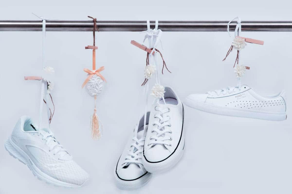 自宅にあるアイテムで靴のにおい対策を。今すぐできる靴の消臭術