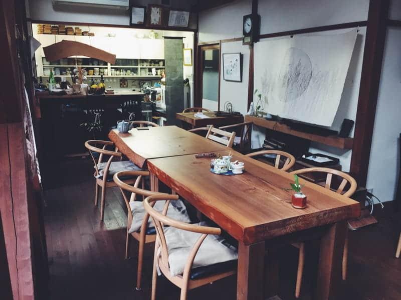 定番NEW BALANCE(ニューバランス)でおでかけ!! GWに訪れたいビール工場・カフェ・お宿とは