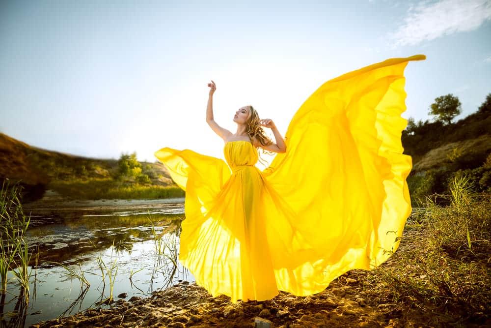 服の色で異なる印象! デートやプレゼン、同窓会の日に選びたい色