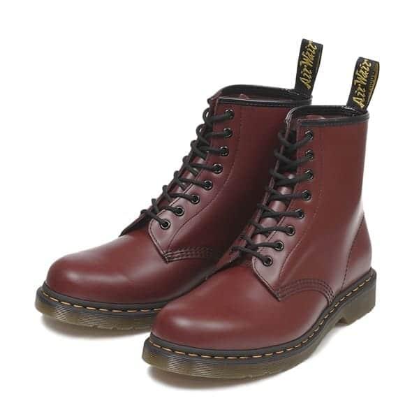 大人かっこいいスタイルの定番ドクターマーチンのブーツでつくる秋コーデ【レディース編】