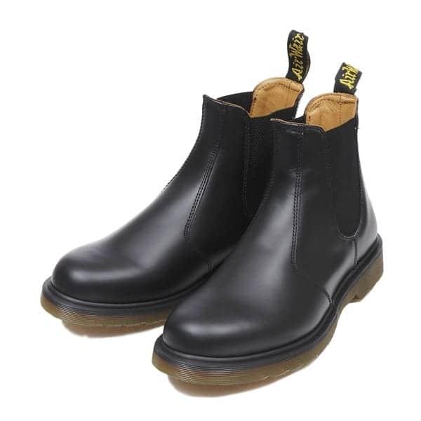 大人かっこいいスタイルの定番・ドクターマーチンのブーツを履きこなすクールなメンズファッション