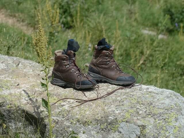 靴ずれが起こるのはなぜ? 原因と対策を知って、楽しく出かけよう