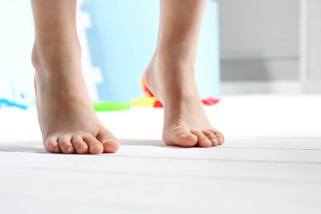 靴底のすり減りの原因は? 歩き方改善でお気に入りの靴と長く付き合おう!!