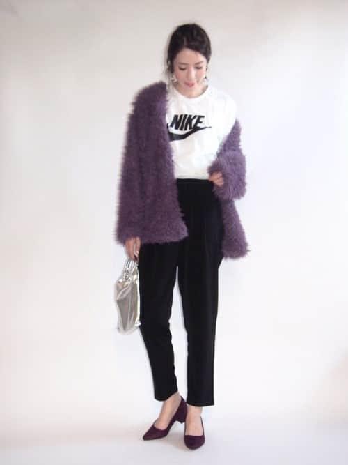 紫好きの方は要チェック!! 真冬の着こなしを華やかに変えるレディースパープルコーデ8選