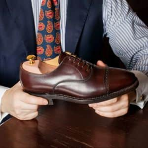形を守って防臭効果も!大切な靴を守るシューキーパーの役割や使い方
