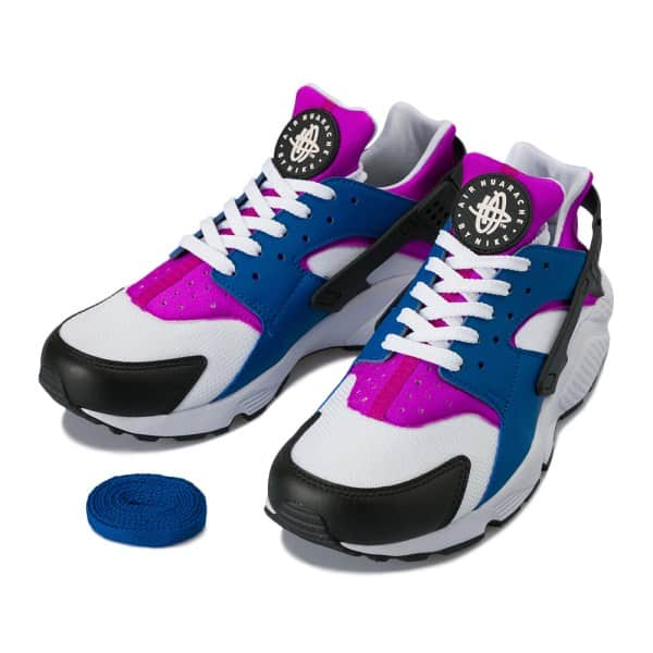 90年代ファッションが復活。当時の流行と共に見る、スニーカーとブーツ