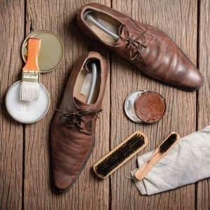 雨にぬれた靴のケア方法は?雨の日のビジネスシューズのお手入れ
