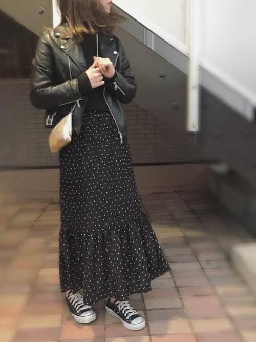 """冬から春にかけて使える""""スカート×スニーカー""""のデートコーデ10選"""