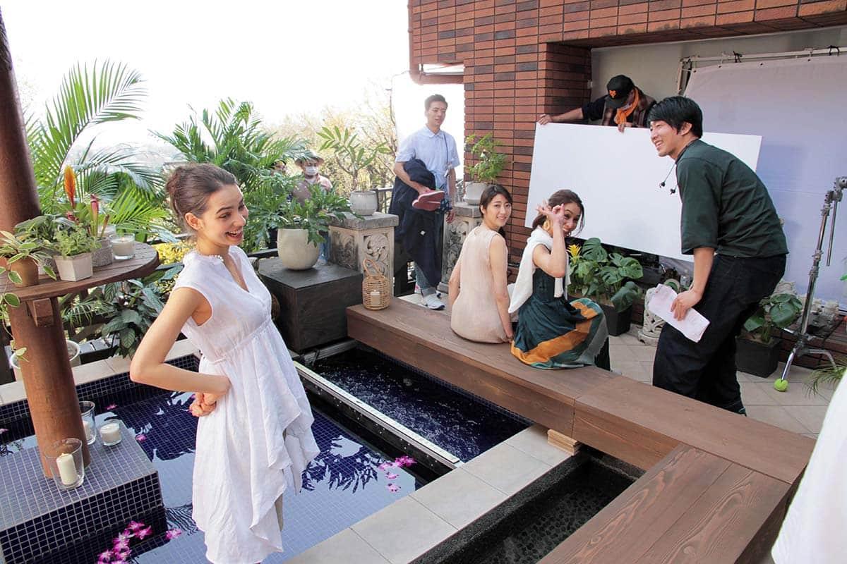 STORY人気モデル、稲沢朋子のリラックスタイムにほっこり♡ ホーキンス・ブリリアントTVCM撮影オフショット&インタビュー<潜入レポート>