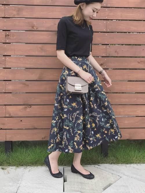 バレエシューズで作る夏コーデ! ラクなくせにスカート・パンツに合うすぐれもの