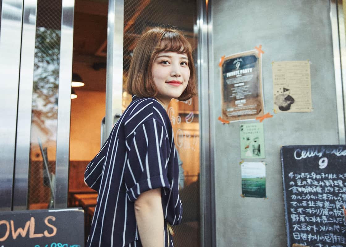 人気のリーボックと行く、モデル・金光みり愛のスニーカーさんぽ。九段下のカフェなどを巡る