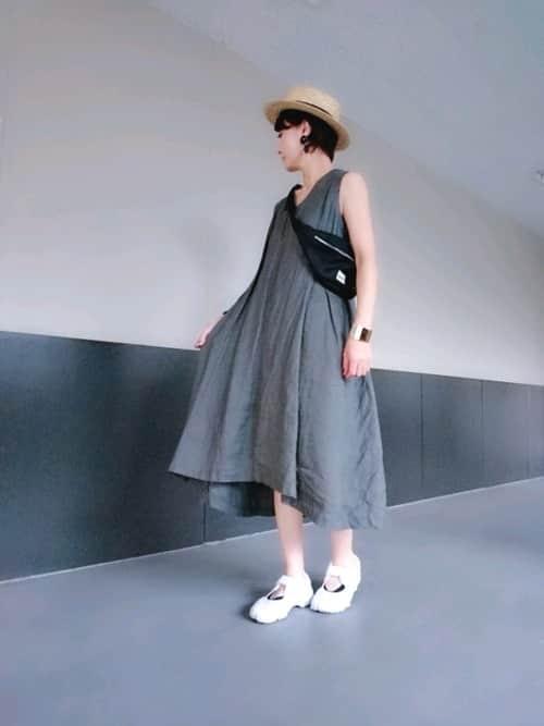 ナイキの人気スニーカー「エアリフト」コーデ集、街の女の子はどう履きこなしてる?