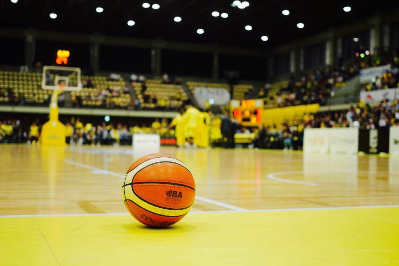 千葉ジェッツ・富樫選手はなぜプレーをやめた? バスケならではの試合終了間際の光景