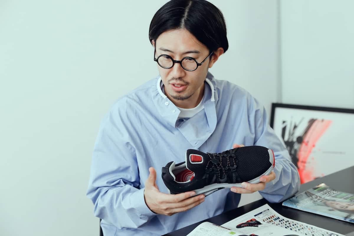 スニーカーの権威、小澤匡行が考察する、ナイキ ショックスの誕生と再生