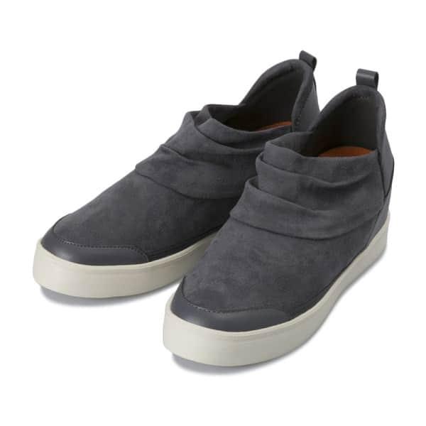 """『ウォークインクローゼット』Vol.2 今月のテーマは""""旅""""!アウトドアフェスに行くのにピッタリのファッションや靴とは?"""