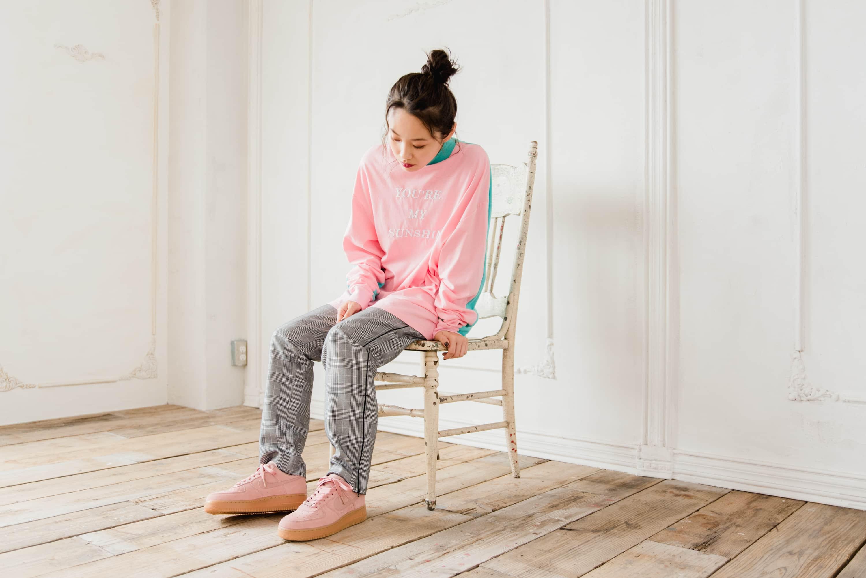自称#ピンクBBA、モデル・高橋愛にインタビュー!(後編)今季・秋冬のトレンドマストアイテム・ピンクスニーカーをレビュー!