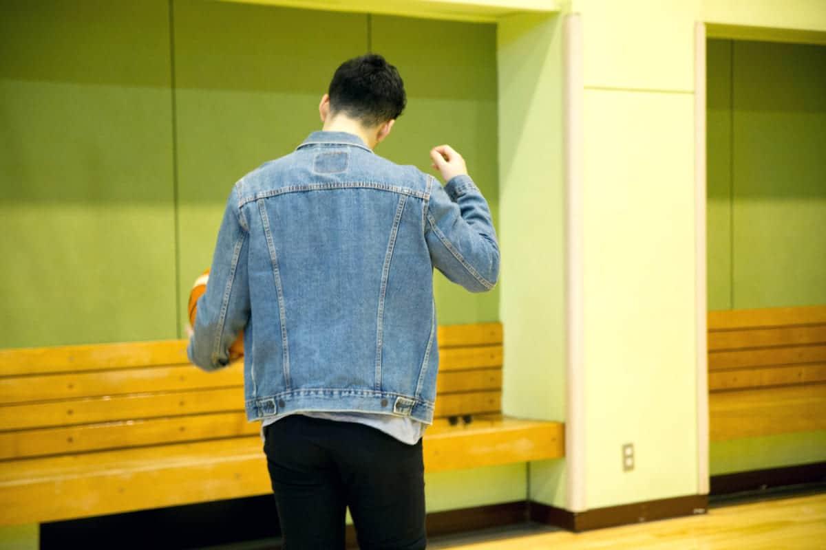 「仲間が笑うかなと思って」あえてのグラサンコーデで盛り上げる横浜ビー・コルセアーズ田渡凌選手<Bリーグ×ファッションの密な関係Vol.9>