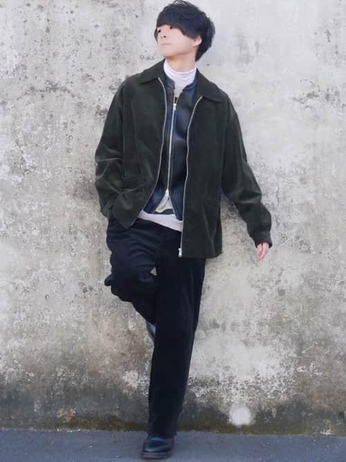 レザージャケットはどうコーデする? 便利かつ防寒性にすぐれた一着を着こなす