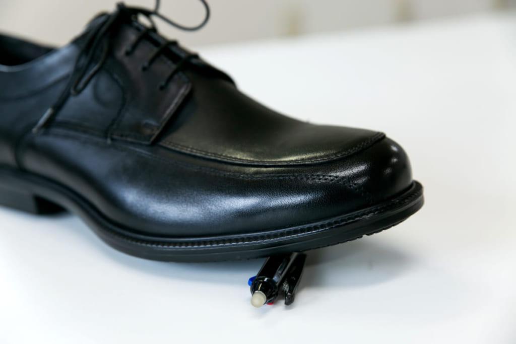 専門家に聞く! 梅雨時期に革靴を気持ちよく履く、簡単メンテナンス
