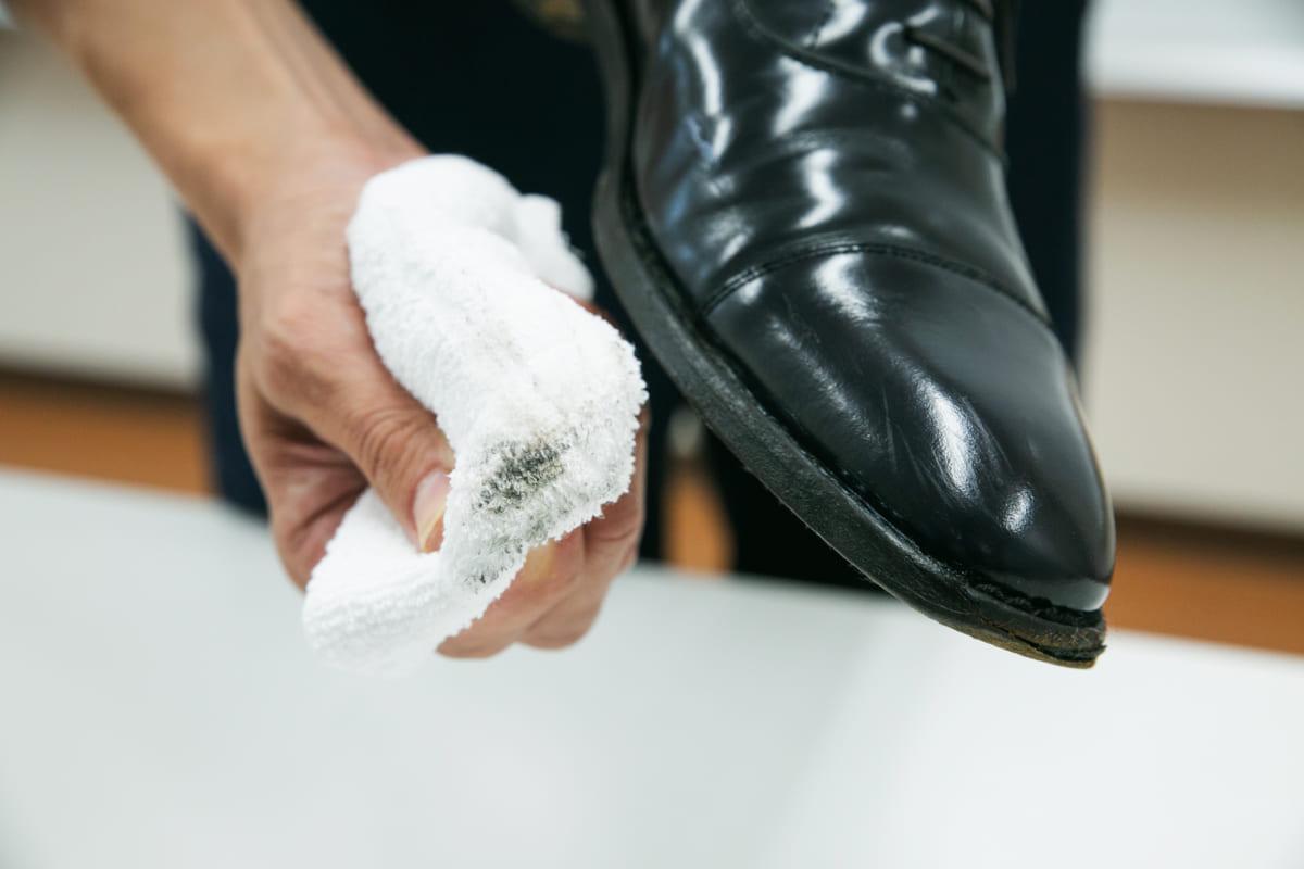 革靴を出したらカビ!そんなときのカビ対策術を専門家に聞く!