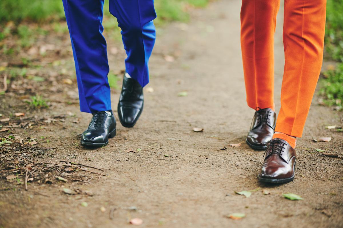お笑い第7世代の熱血コンビ・ティモンディが通気性抜群の「足が蒸れないビジネスシューズ」を履いてみた!