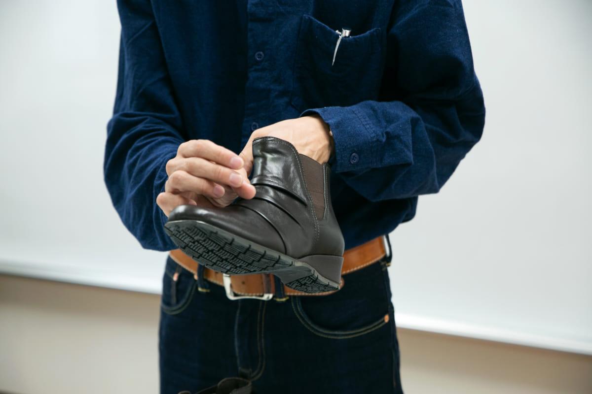 正しいケアで長く愛せるブーツに【スムースレザー素材】