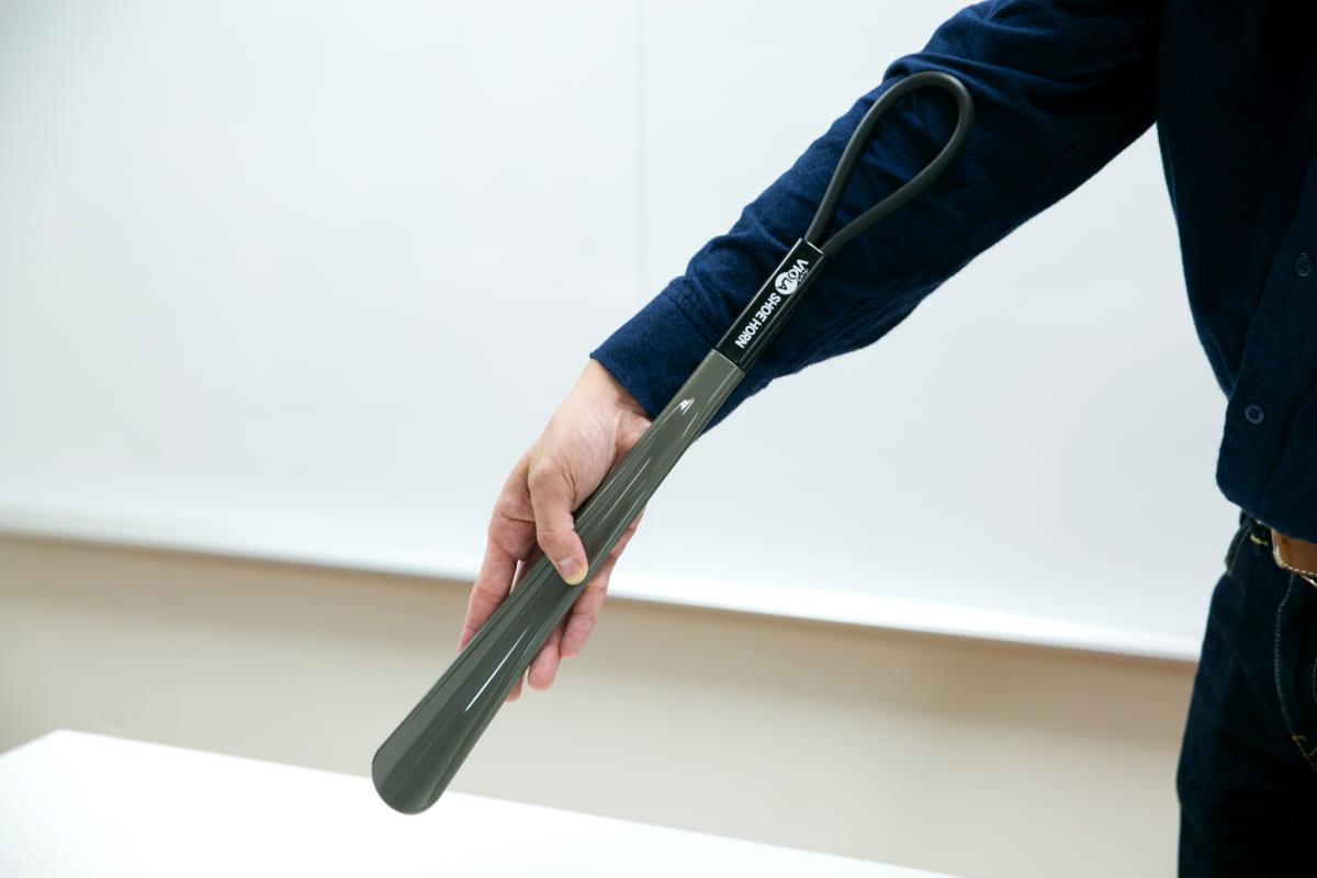 靴の形を美しくキープする『靴ベラ』の正しい使い方