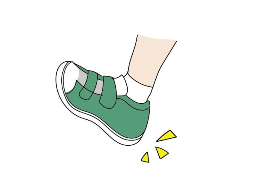 【子供靴の収納アイデア】100均グッズや日用品を使って玄関がスッキリ!