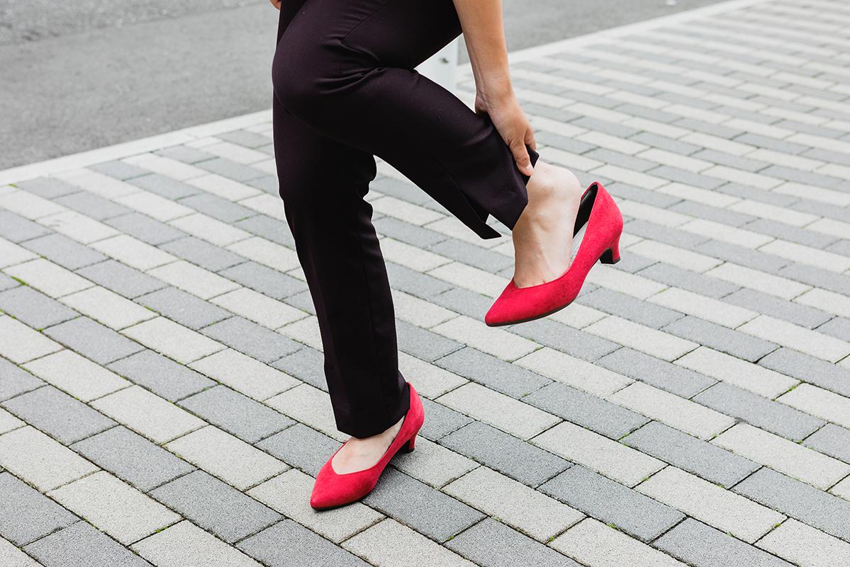 靴の中で靴下が脱げるのを防ぐには?原因と解決方法を伝授!